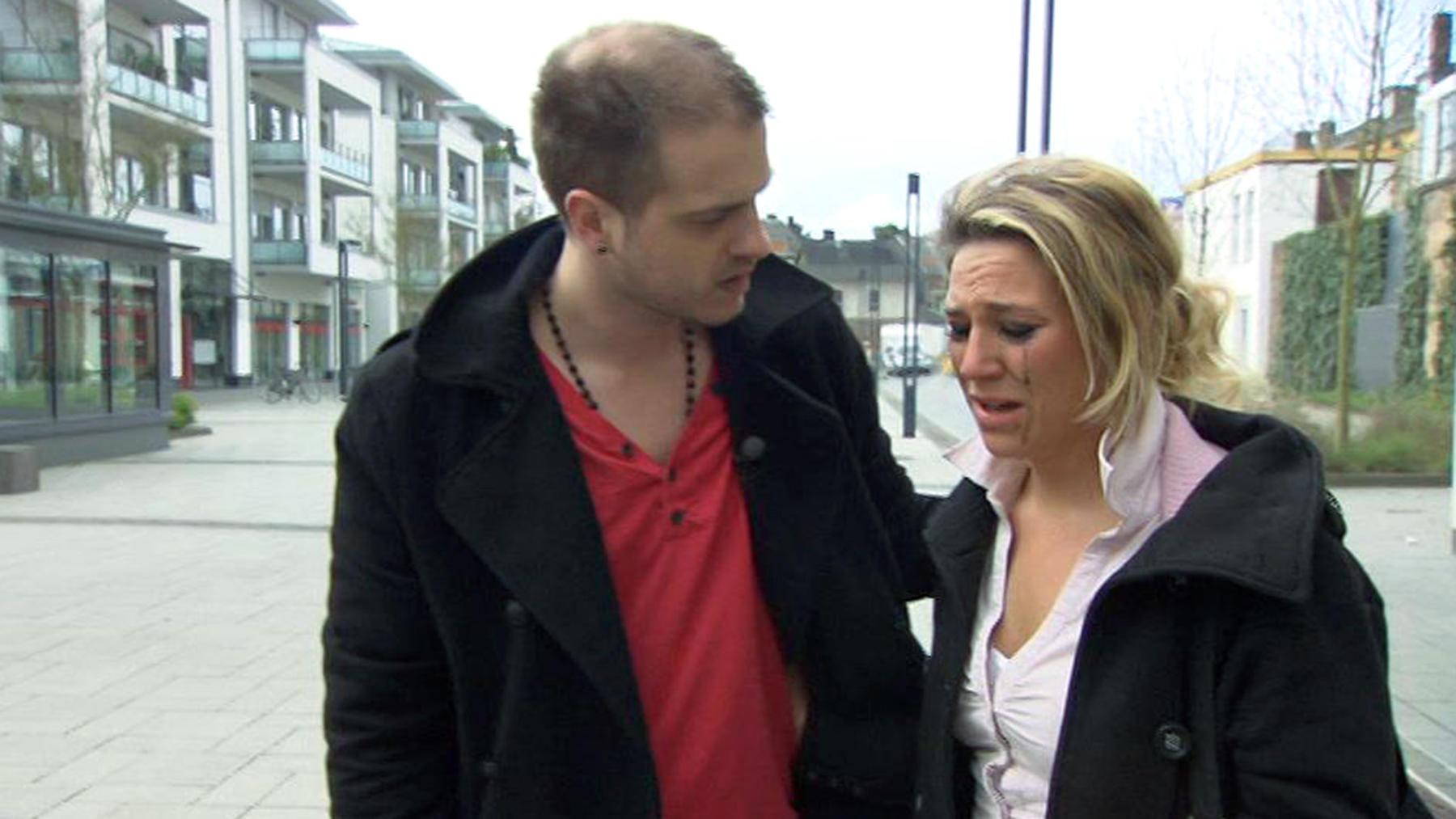 Geheimnisvolles Verhalten seiner Frau gibt Ehemann Rätsel auf