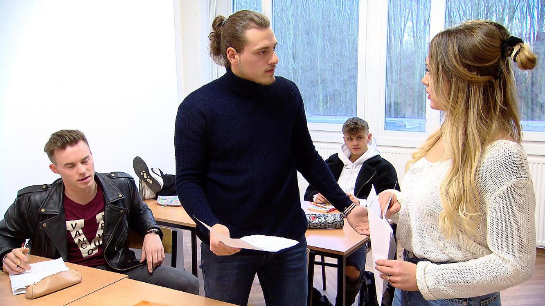 Folge 224 vom 26.03.2020 | Krass Schule - Die jungen Lehrer | Staffel 4 | TVNOW