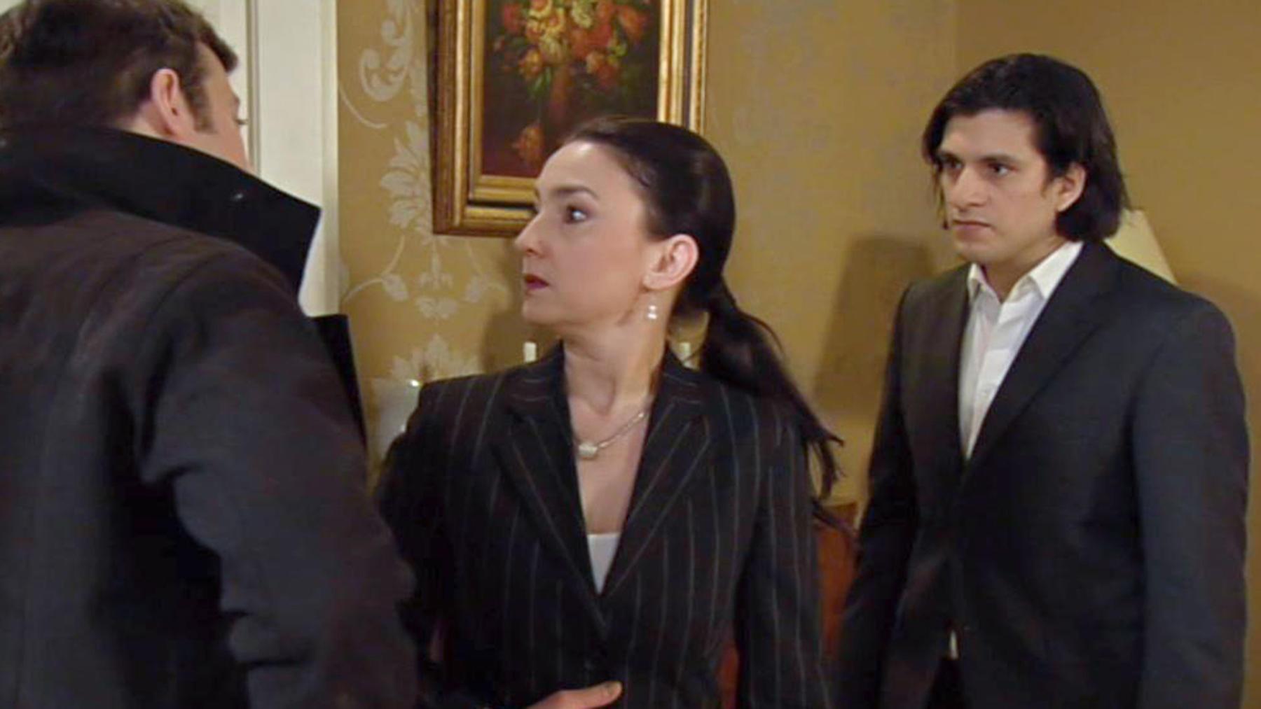 Simone erkennt, wie sehr sie Richard immer noch liebt