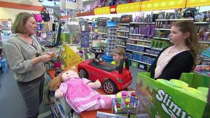 Kinder wollen mit Falschgeld Spielzeug kaufen