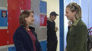 Alexa lädt Kristina ein, bei ihrem Projekt mitzumachen