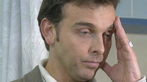 Andreas versagt als Lonas Beistand im Krankenhaus