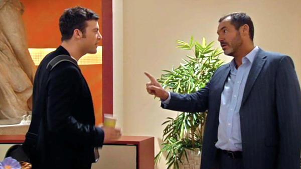 Richard kommt Simones Intrige gegen Axel auf die Spur