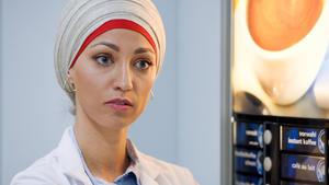 Nazan möchte eine Besprechung über ihre App vermeiden