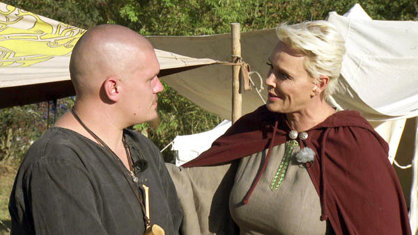 Mittelalterkoch Markus bekommt Besuch von Brigitte Nielsen