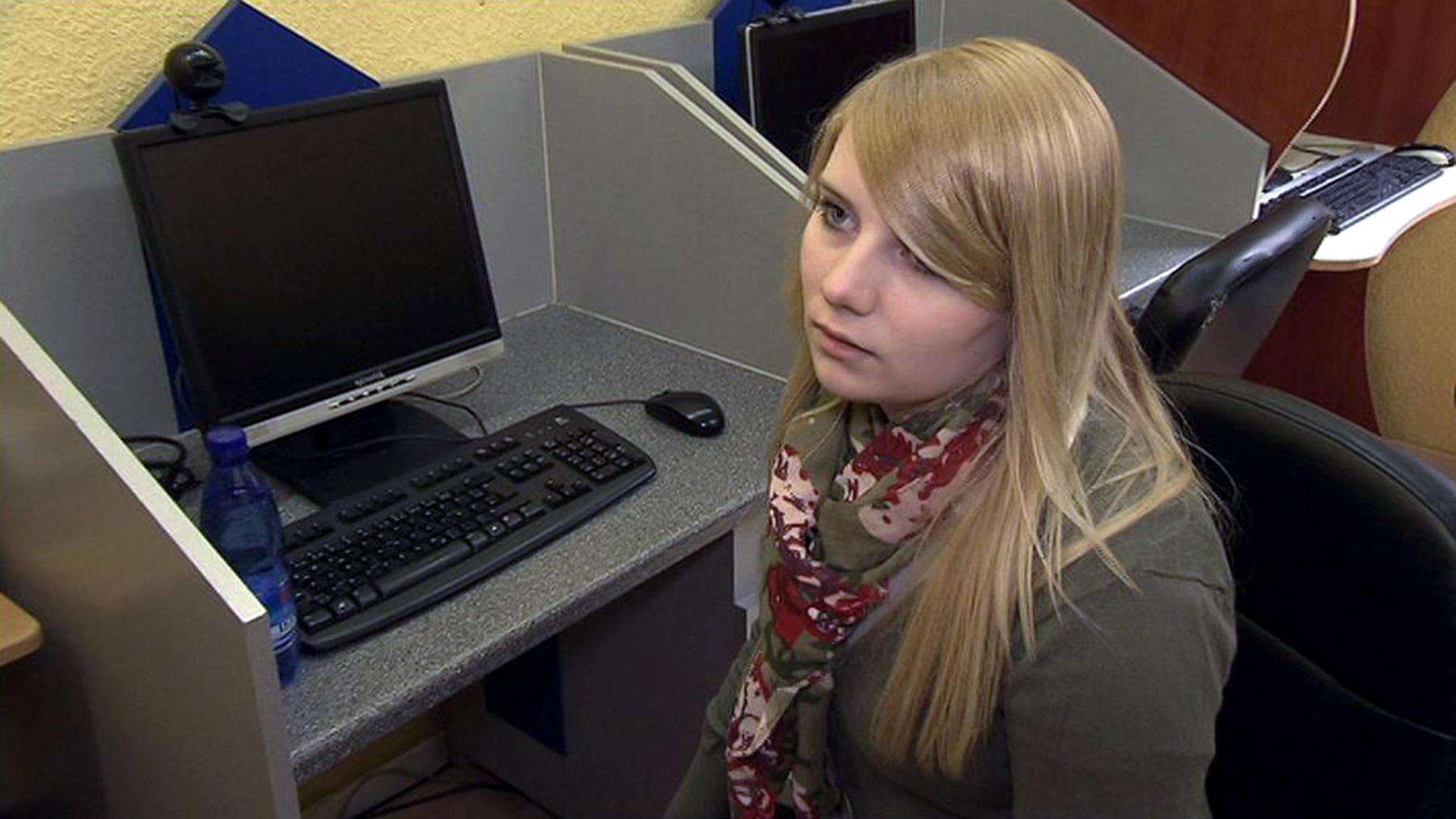 18-Jährige hat Angst, dass ihre Internet-Lügen auffliegen