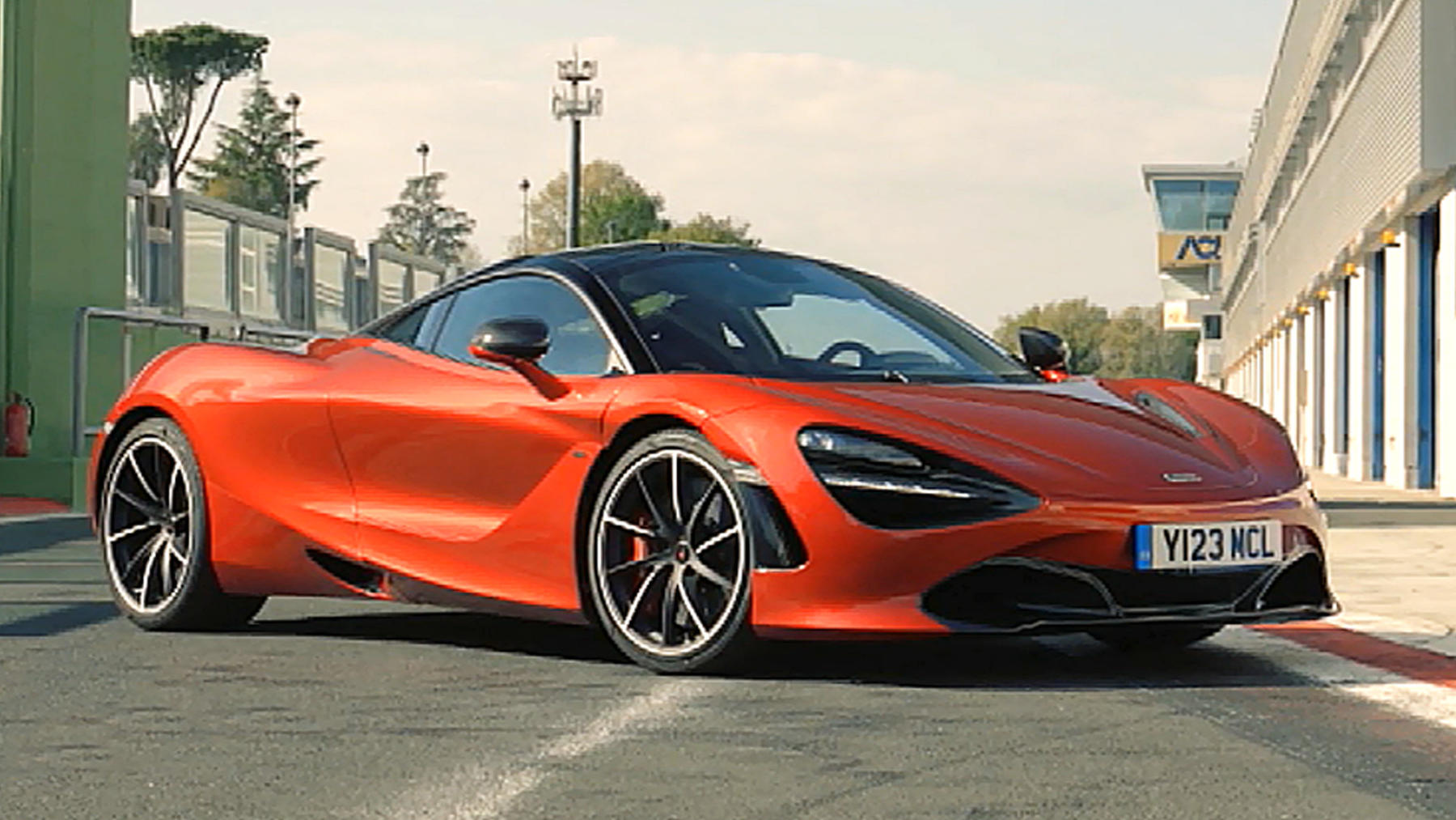 Thema u.a.: Fahrbericht McLaren 720 S