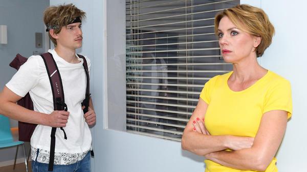 Yvonne erkennt, dass sie zu nachsichtig mit Moritz ist