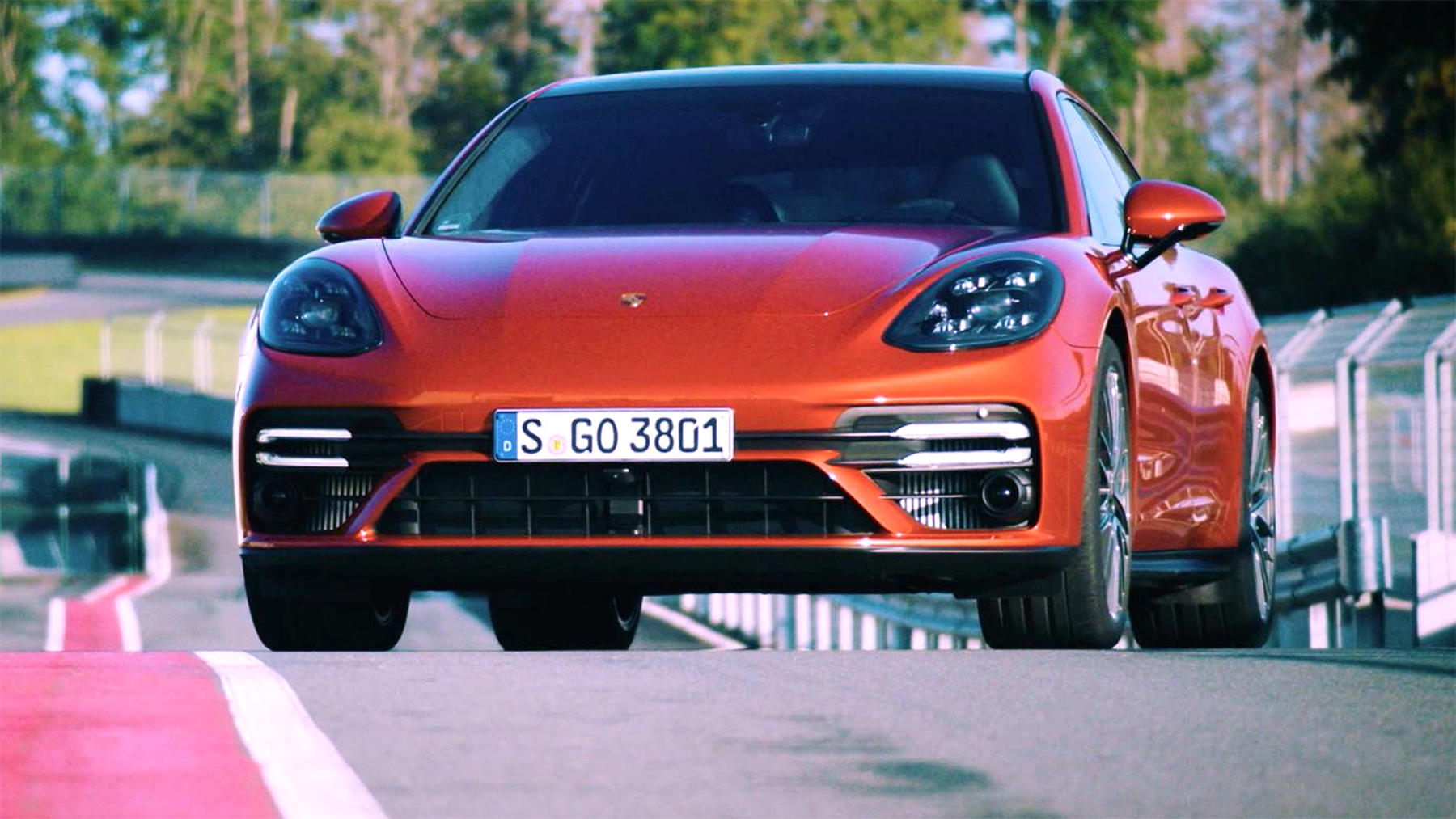 Thema u. a.: Porsche Panamera mit Lance