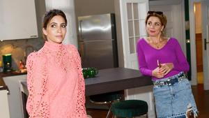 Laura versucht Yvonne abzulenken, um in Gerners Wohnung zu spionieren