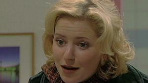 Klara bekommt ein schlechtes Gewissen Sue gegenüber