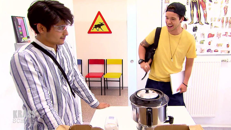 Folge 263 vom 29.10.2020   Krass Schule - Die jungen Lehrer   Staffel 4   TVNOW