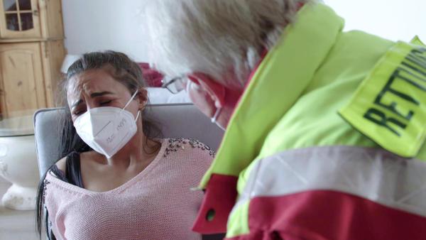 Geburt mit Hindernissen / Angriff hält Nachbarschaft in Atem / Garnelendieb auf der Flucht