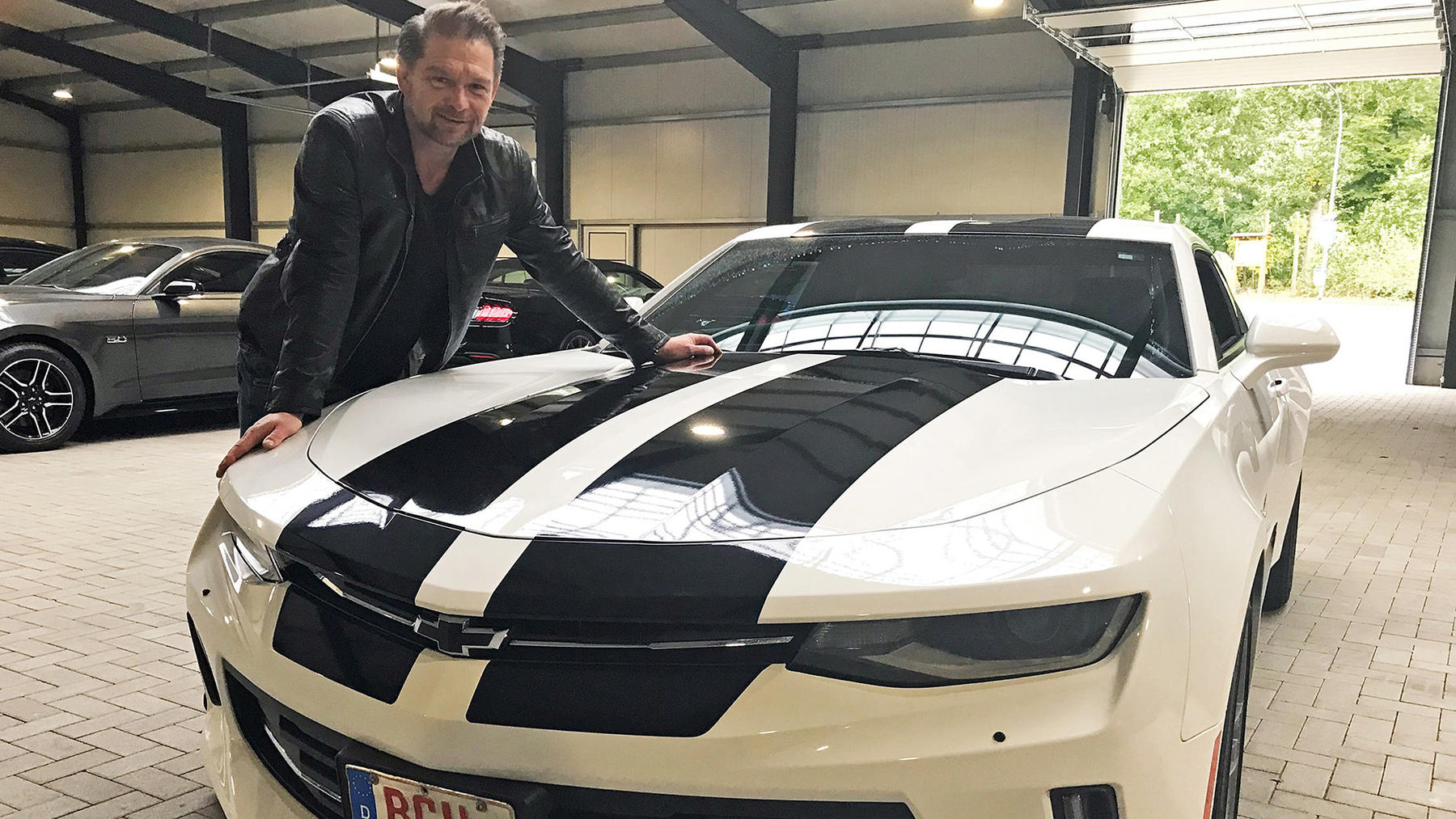 Hamid soll einen ganz besonderen Porsche 911 besorgen