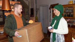 Nazan zieht probeweise bei Nihat, Tuner und Jonas ein