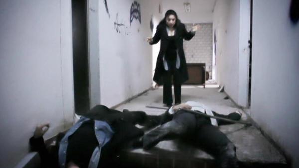 Simone rettet Maximilian in letzter Sekunde vor Rafael