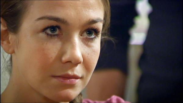 Meyerhoff droht Katja, ihre Karriere zu ruinieren
