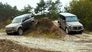 Thema u.a.: Offroad-Test Rover Defender vs. Mercedes G-Klasse