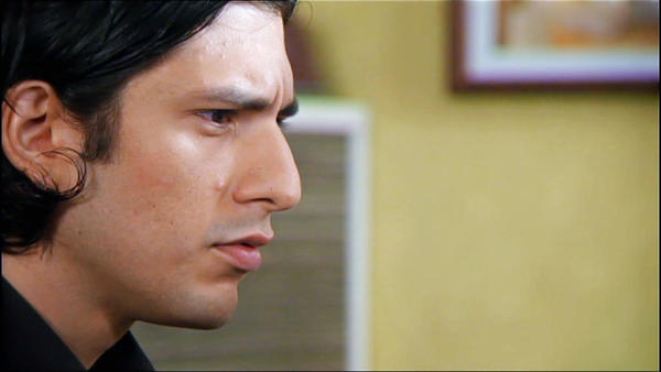 Maximilian macht sich Simones Schwäche zunutze