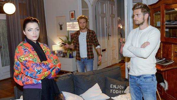 Paul versucht die Spannungen zwischen Emily und Philip zu entschärfen