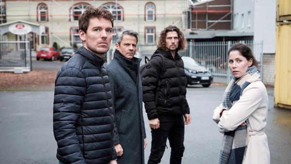 Till, Benedikt, Luke und Sina sind entschlossen zu handeln