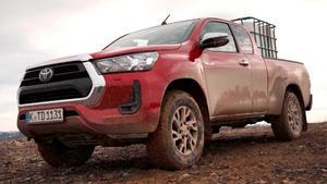 Thema u.a.: Toyota Hilux und Volvo XC 40 recharge im Test