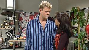 Maria versucht, Charlie von ihrer Liebe zu überzeugen