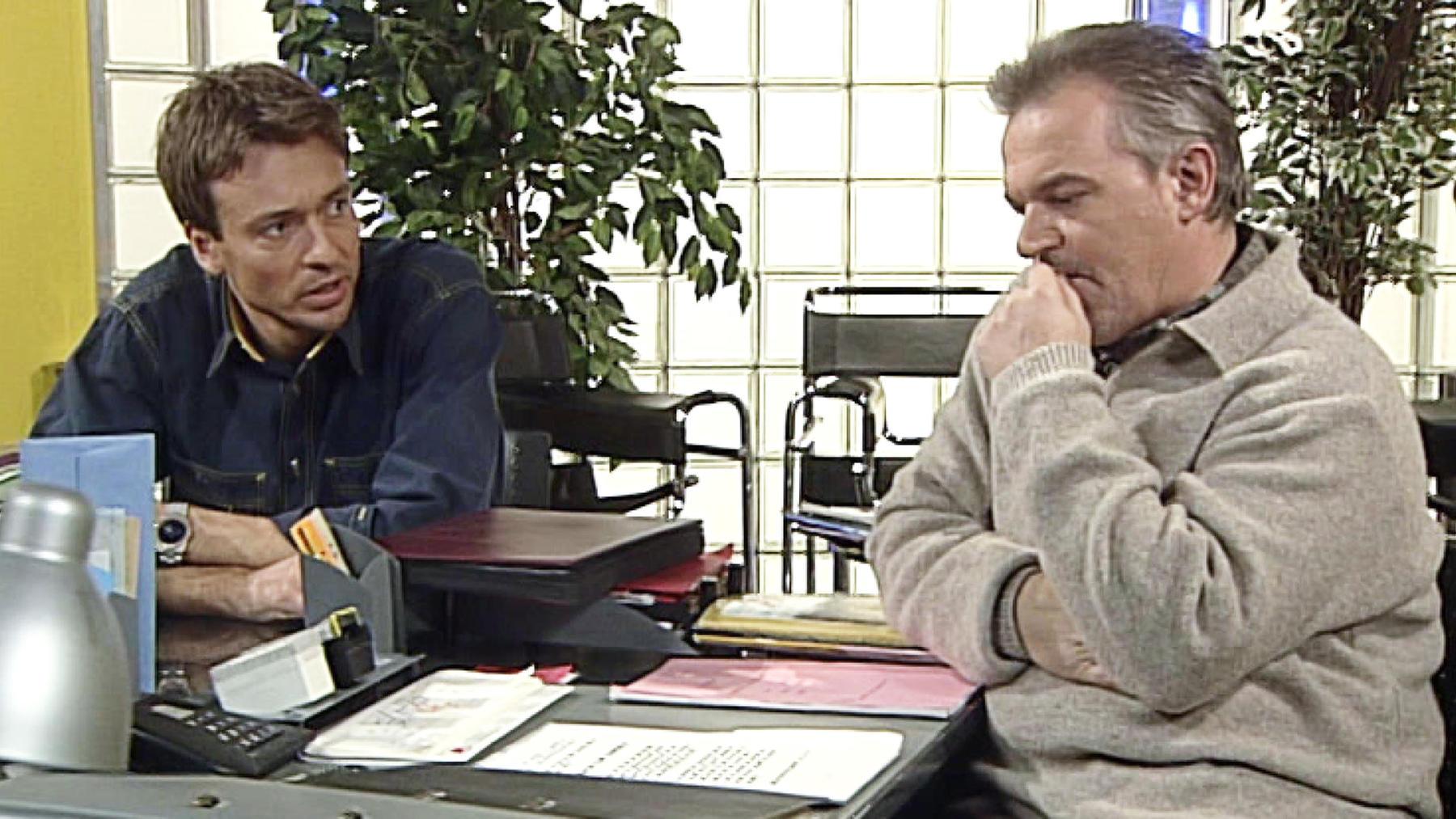 Jörg und Daniel müssen dringend Geld auftreiben