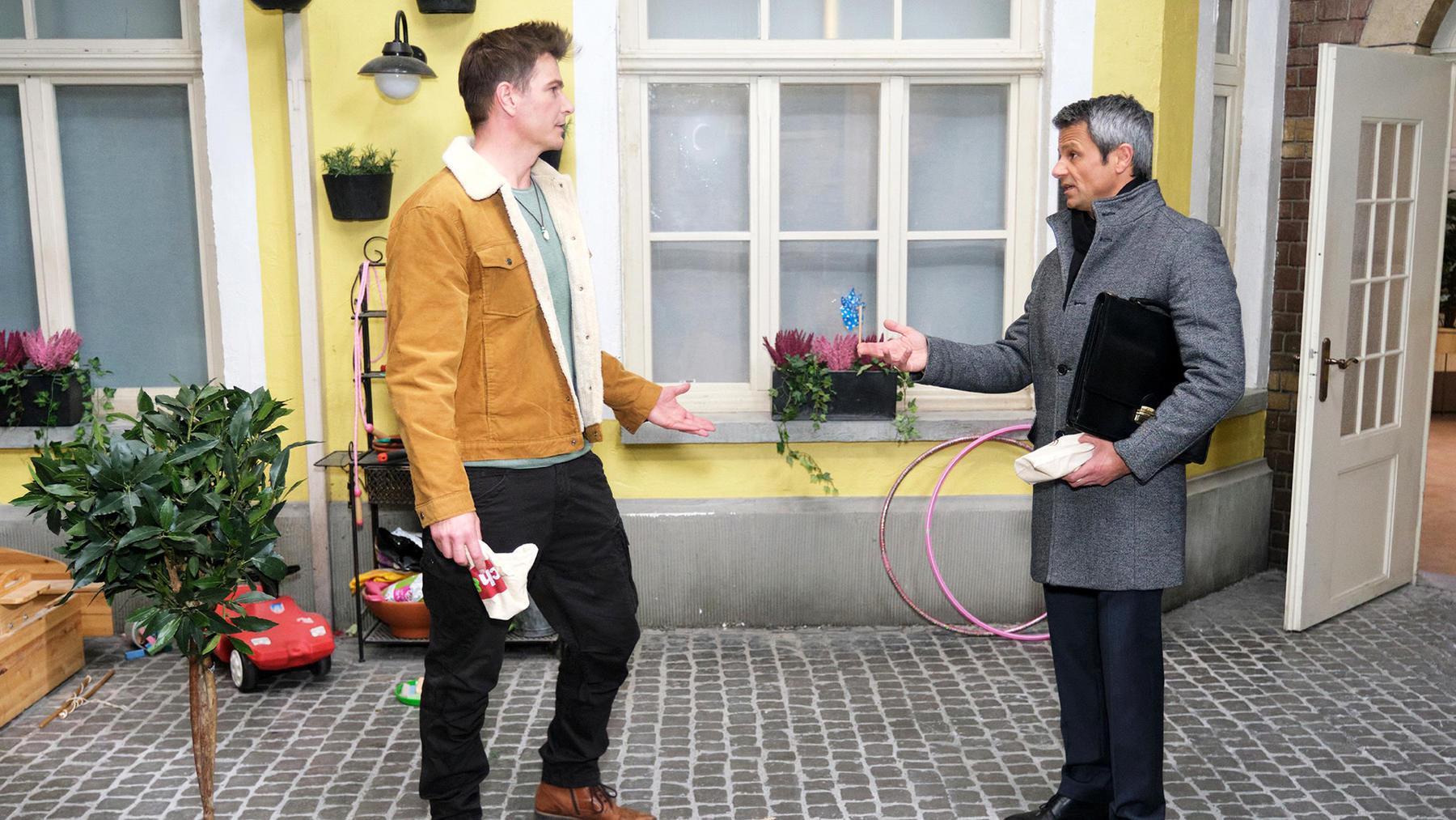 Benedikt will Chris beweisen, nicht nur ein Schreibtischtiger zu sein