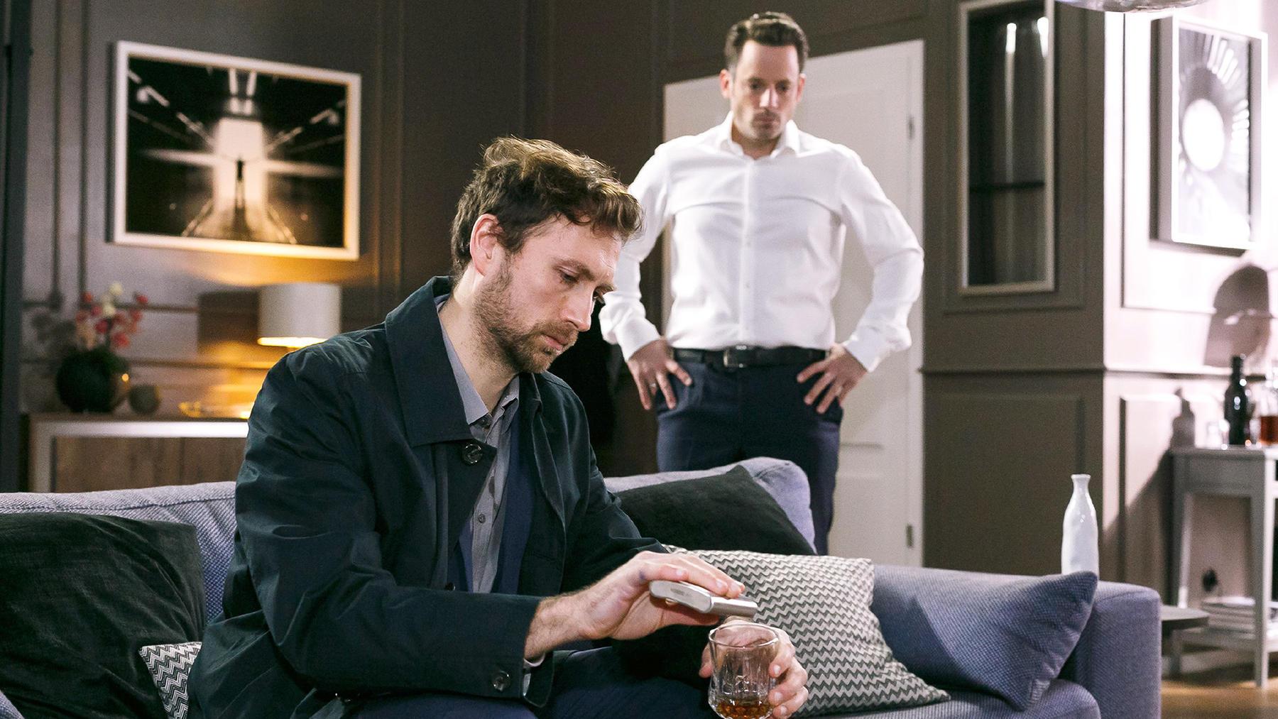 Justus will verhindern, dass Bastian Schaden anrichtet
