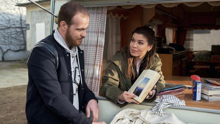 Tobias akzeptiert, dass Vivien und er nur noch Freunde sind   Folge 6612