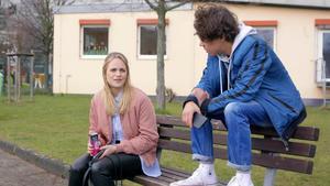Cecilia hilft Matteo bei seinen schulischen Problemen