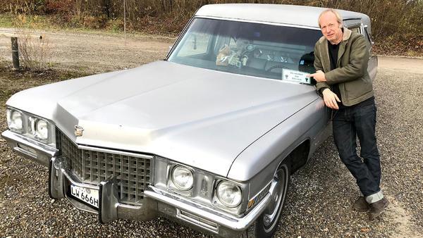 Helge Thomsen checkt die außergewöhnlichsten Bestattungsfahrzeuge.