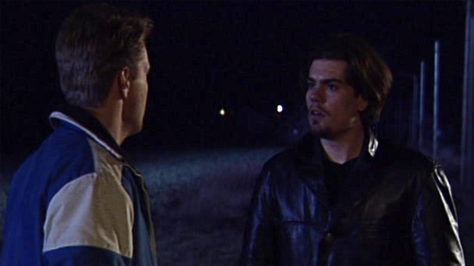 Charlie macht Leon klar, dass die Flucht sinnlos ist
