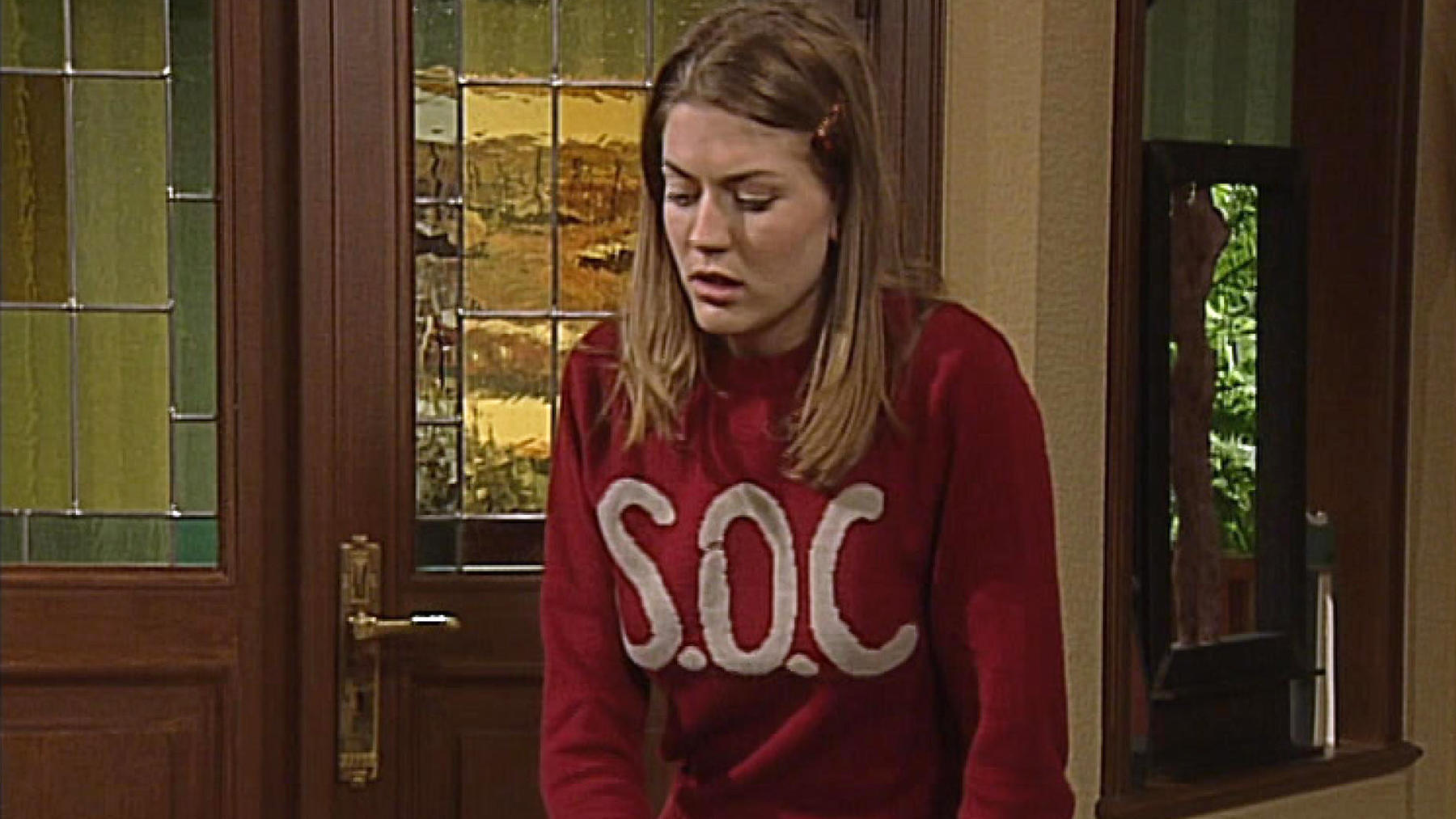 Cora täuscht mal wieder einen Schwächeanfall vor