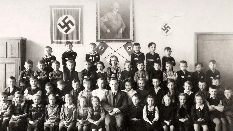 Folge 1 vom 9.06.2021 | Hitler-Deutschland - Leben im Dritten Reich | Staffel 1 | TVNOW