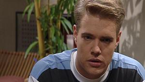 Charlie befürchtet, dass er an Olivers Tod schuld ist