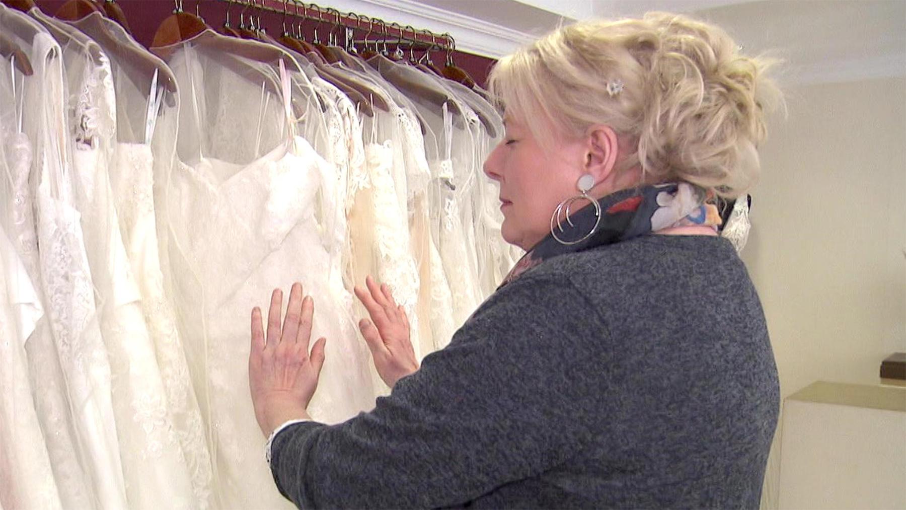 Ein Medium auf Brautkleidsuche