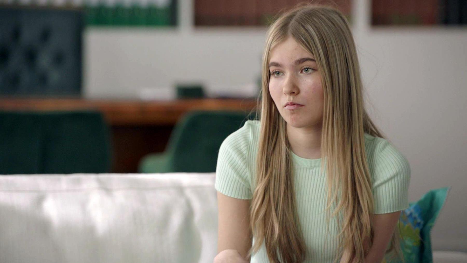 Yvonne spricht mit Johanna über das Thema Verhütung