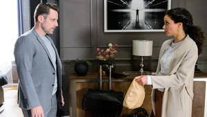 Malu erfährt, dass Bastian bei Justus unterkommt