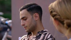Nihat beschließt, seine Mutter in Hamburg zu suchen