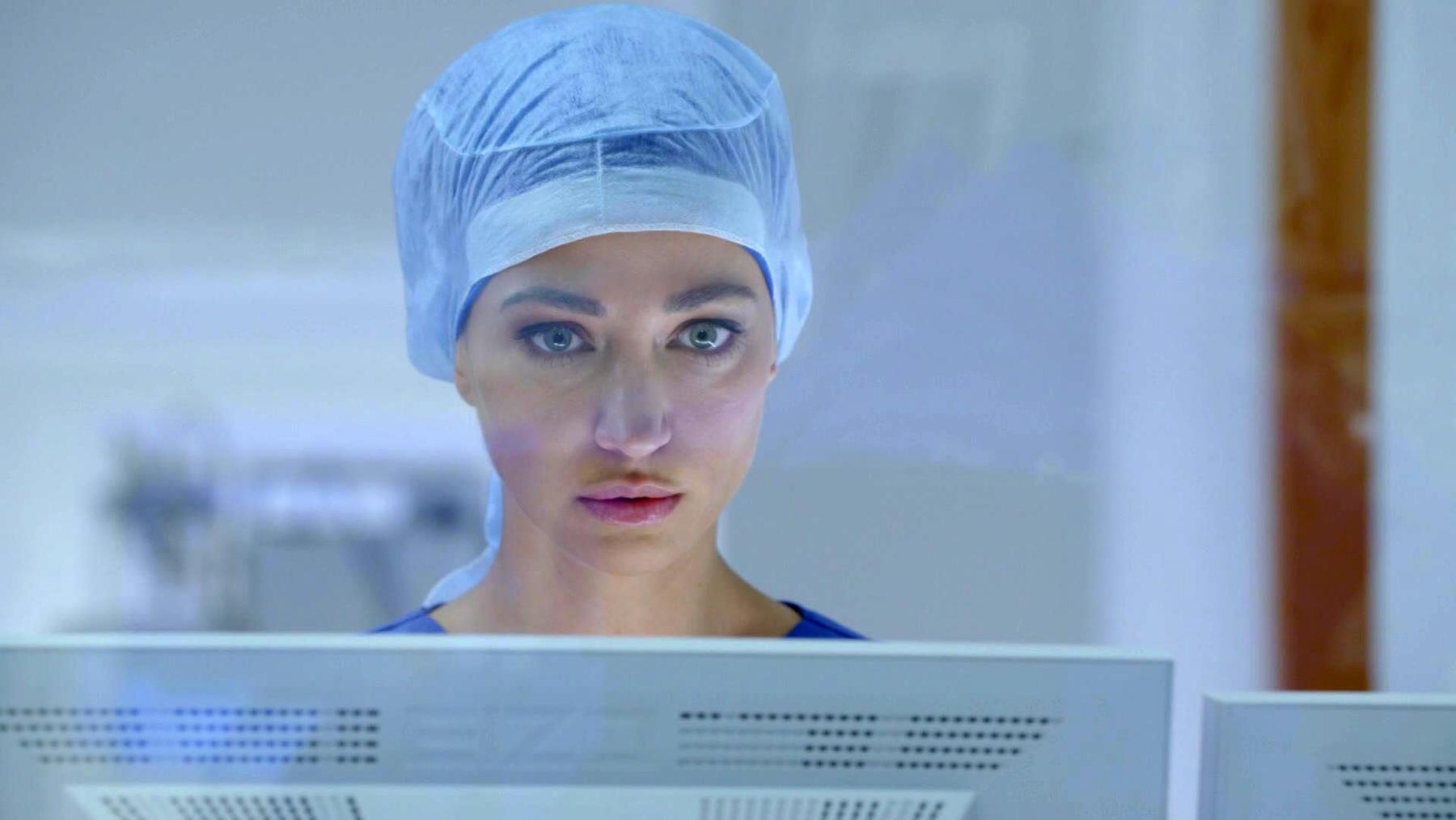 Nazan konzentriert sich auf die anstehende Operation