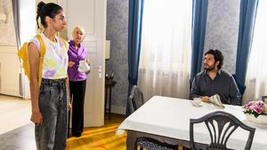 Nathalie will Leyla ihre Ängste vor Maximilian nehmen