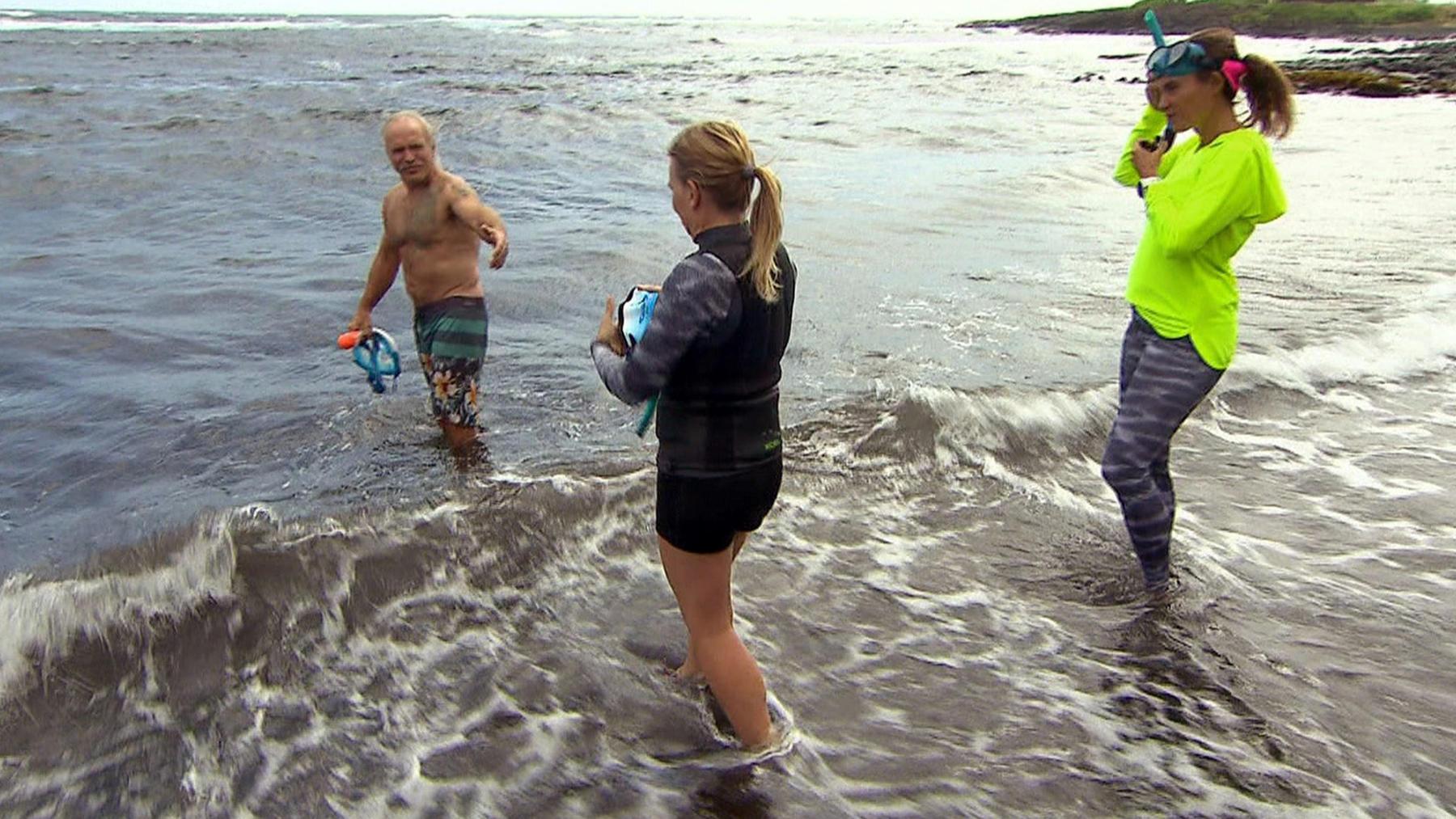 Manu will ihre Angst vor dem Meer überwinden