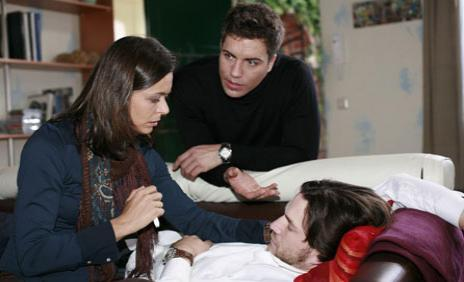 Björn verrät Pia, dass Malte Alkoholiker ist