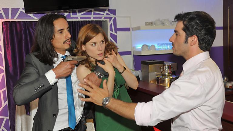 Murat nimmt Dascha als Geisel!