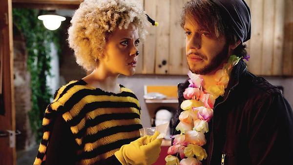 Micki findet Tobias' Drogen