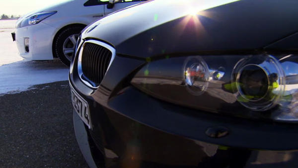 Vergleich - Toyota Prius Hybrid vs. BMW M3  Reportage