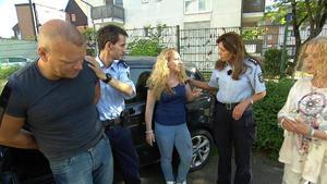 Mann fährt Ehefrau wegen verbrannter Lasagne an