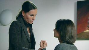 Britta findet in Rebecca eine Vertraute